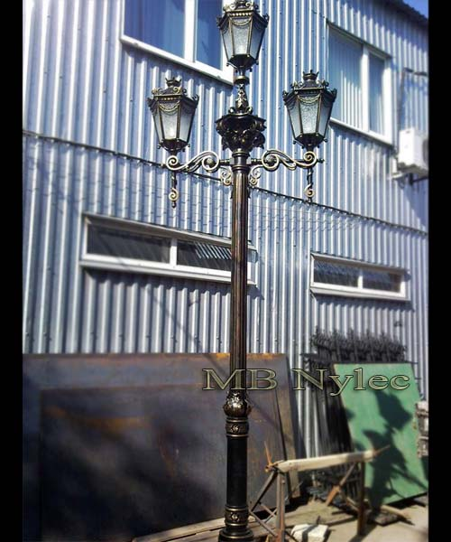 klasyczna wysoka lampa kuta ogd105
