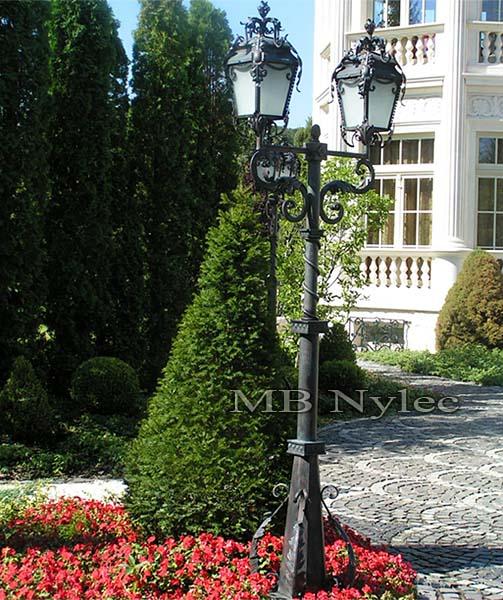 Stojąca lampa ogrodowa. nr.kat. ogd14